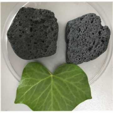 Procedimento per l'ottenimento di un materiale poroso a partire da materiali in polvere, materiale poroso e suo uso per la cattura di particolato atmosferico e contaminanti organici